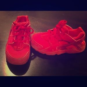 Red Nike Huarache Preschool